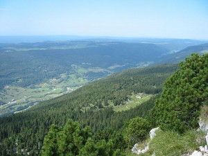 The Juras are located north of the western Alps, predominantly in France. (Photo: Wikimedia Commons)