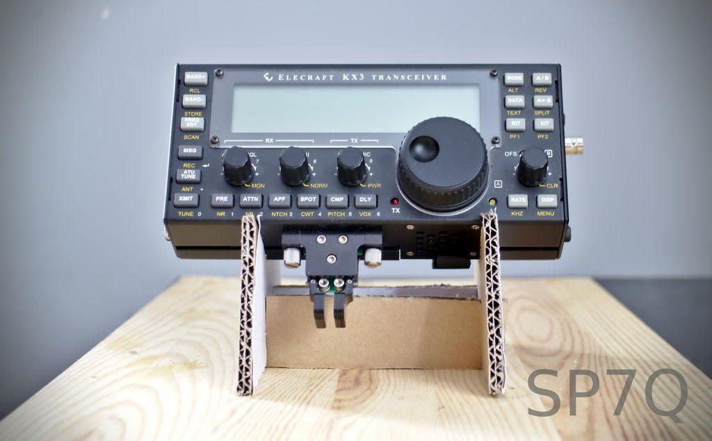 KX3-Cardboard-Stand-2